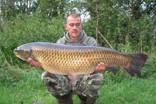 Амур в руках рыболова