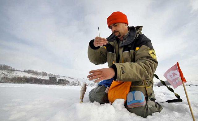 Спортивная рыбалка в спецодежде
