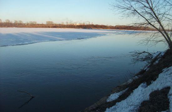 Большая полноводная река