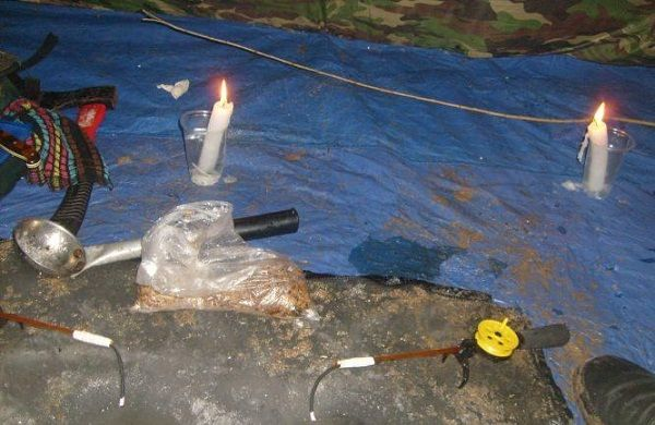 Свечи в палатке