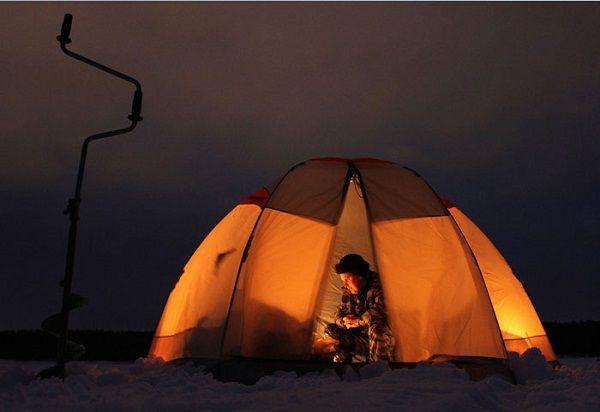 Ночью в палатке