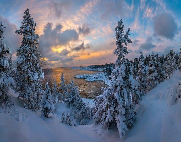 Зимний вид на Ладогу