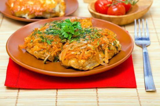 Рыба с томатами в мультиварке Редмонд