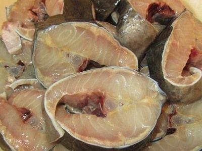 порезанная рыба