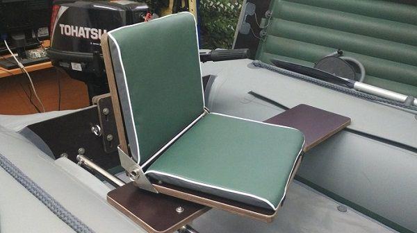 Поворотное кресло