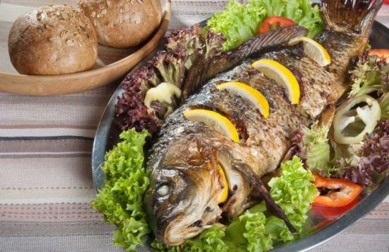 рыба на салатной основе