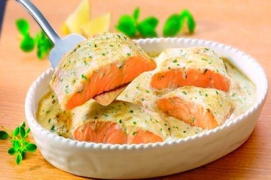 лосось с соусом