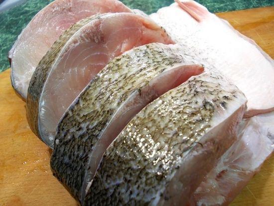 надрезанная рыба