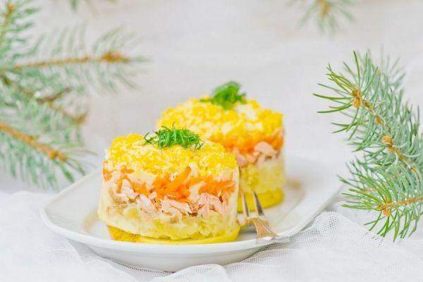 салат желтого цвета