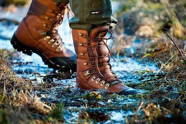 Высокие ботинки с мембранными вставками