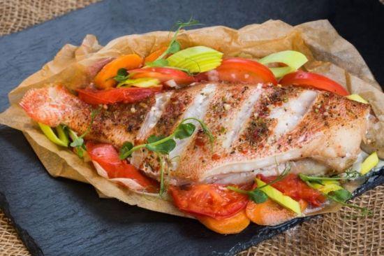 рыба на пергаменте