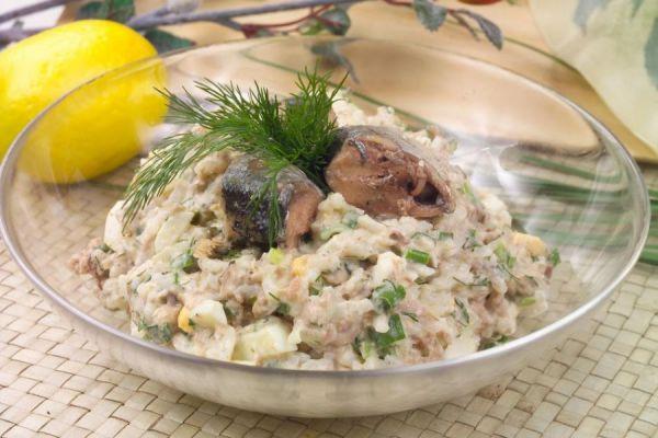 салат с укропом и луком