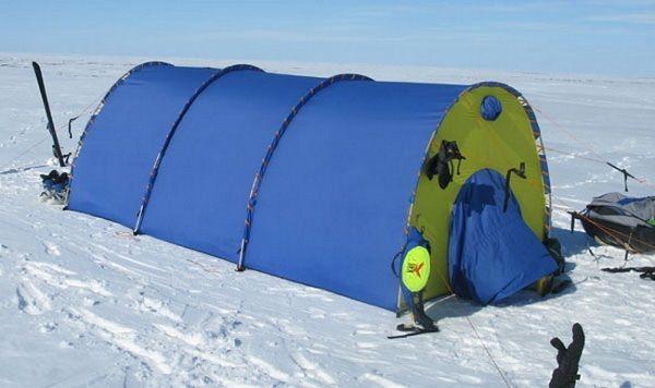 Палатка на льду