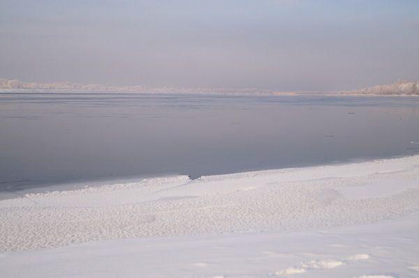 Начало ледостава на реке