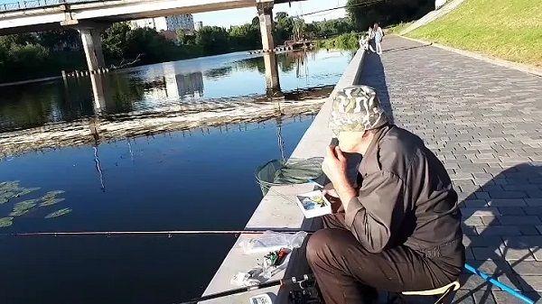 Рыбалка на набережной
