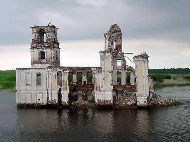 Затопленная церковь