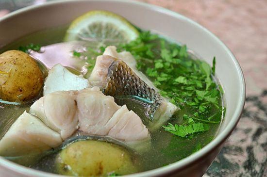 суп с кусками рыбы