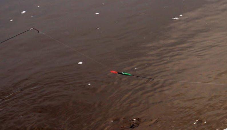 Висящий поплавок